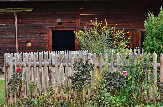 plot kolem zahrádky