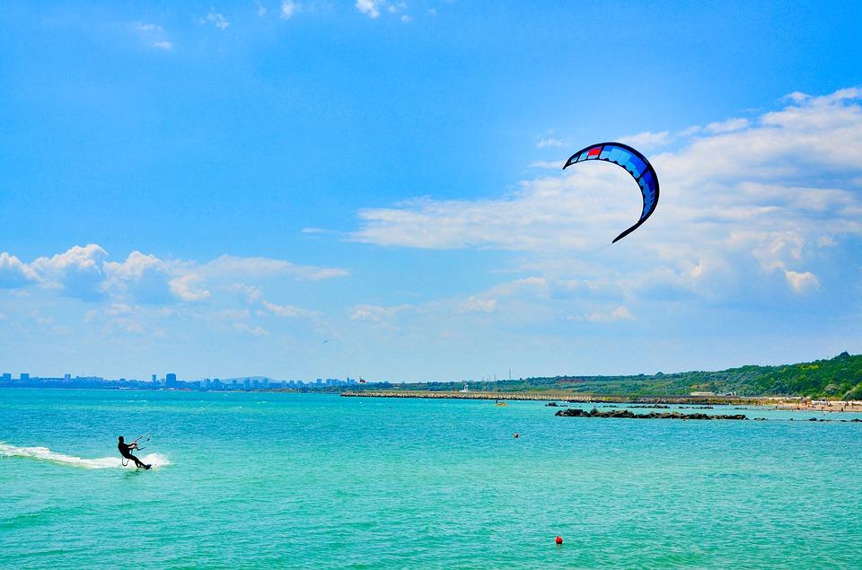windsurfing na pobřeží Burgasu